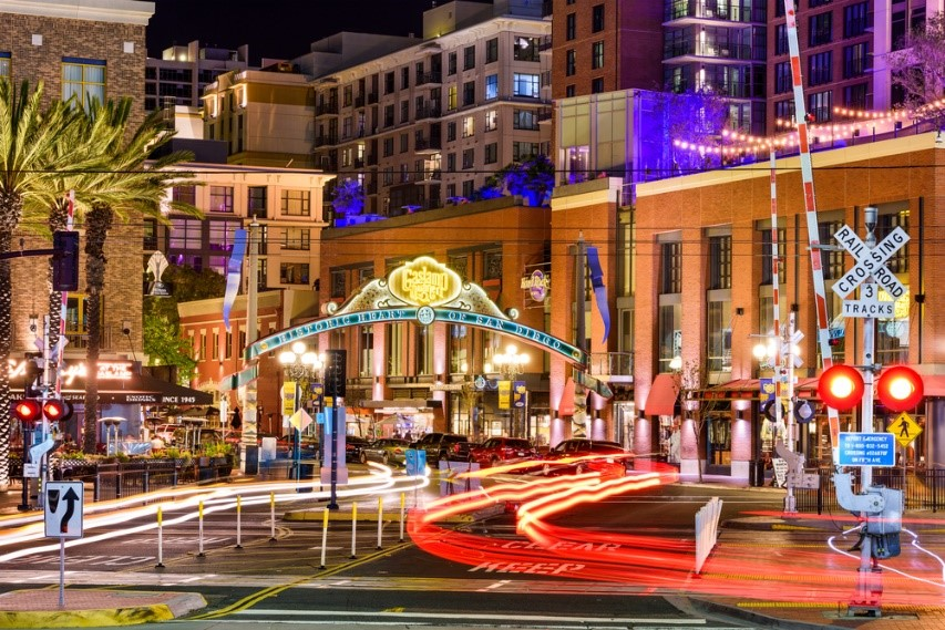 Amazing view of the nightlife scene at Gaslamp Quarter